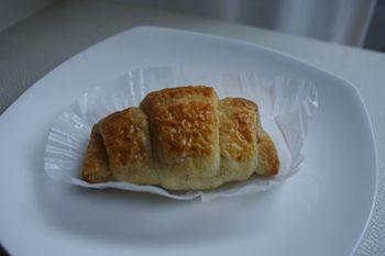 横浜日本大通りにあるコンビニ「gooz(グーツ)」のパン