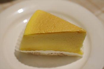 葉山にあるケーキショップ「フリューリング」のケーキ