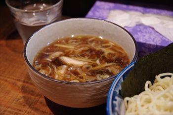 横浜天王町にあるラーメン店「めん処 樹」のつけ麺