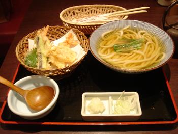 うどん屋「ゑべっさん」の天ぷらうどん