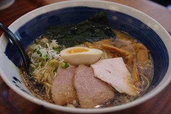 横浜センター北にあるラーメン店「麺処 直久」のラーメン