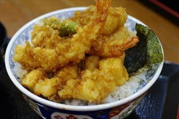 ラゾーナ川崎にある天丼専門店「金子半之助」の天丼