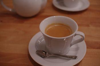 横浜元町のフレンチ「ブラッスリーアルティザン」のコーヒー