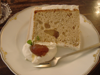 横浜山手のカフェ「えの木てい」のモンブランシフォンケーキ