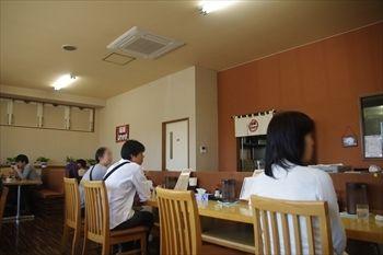 栃木県佐野市にあるラーメン店「麺屋 ようすけ」の店内