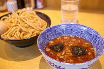 横浜泊楽のおいしいつけ麺屋「仁鍛」のつけ麺