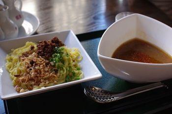 新横浜にある中国家庭料理のお店「イーチャン」のつけ麺