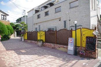 新横浜にあるパン屋さん 「シャン ド ブレ」の入り口