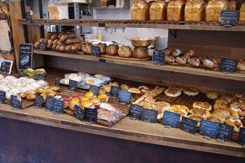 横浜青葉区にあるパン屋「丘の上のパン屋」の店内