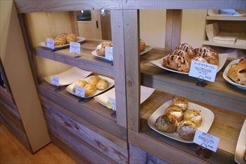 鎌倉にあるパン屋さん「ラフォレ・エ・ラターブル」の店内