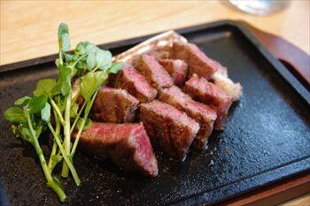 横浜にある焼肉店「横浜焼肉kintan」のステーキ