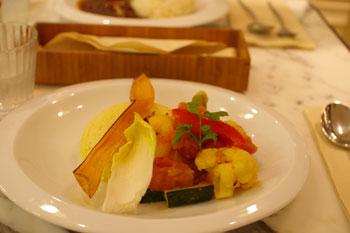 横浜みなとみらいのケユカカフェの野菜カレー