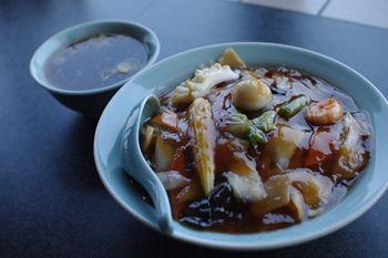 横浜新羽にある中華料理のお店「との様飯店」の中華丼
