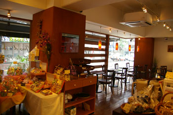 横浜鶴見にある人気のケーキショップ「パティスリー ラプラス」