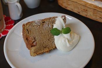 横浜大倉山にあるカフェ「ラ プティ フルール」のケーキ