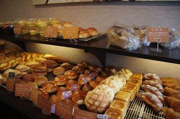 東神奈川にあるパン屋さん「パンドウー(PaindeU)」の店内