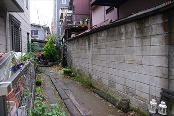 川崎新丸子にかるカフェ「HanaCAFE」の外観