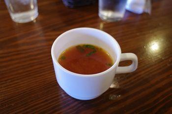 横浜港南台にあるハンバーグのお店「カウベル」のスープ