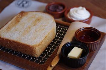 鎌倉長谷にあるカフェ「カフェルセット鎌倉」の食パン