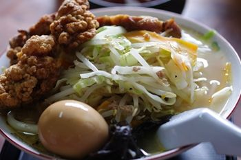 北新横浜にあるラーメン店「丹行味素」のラーメン
