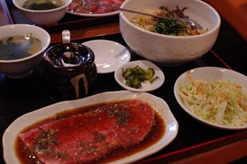 横浜菊名にある焼肉店「焼肉 慶州苑」の得得カルビ定食