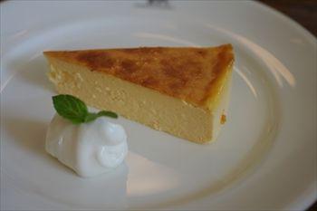 那須にあるカフェ「NASU SHOZO CAFE」のチーズケーキ