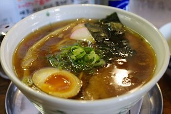 横浜吉野町にあるラーメン店「流星軒」のラーメン