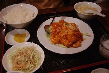 新横浜にある中華料理屋「華福菜館」のランチ
