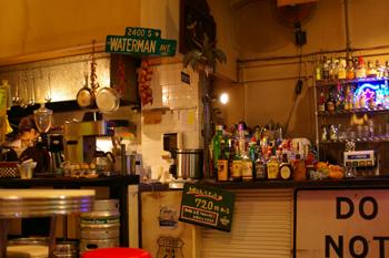 横浜日本大通のジャックカフェの店内1