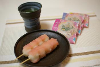 大倉山の和菓子店「青柳」の串だんご(梅)と梅最中