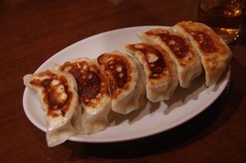 新横浜にある中華料理屋「華福菜館」の餃子