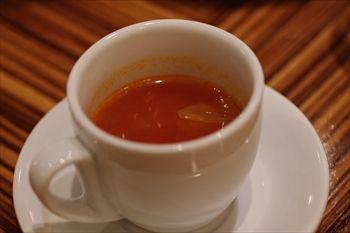 東京六本木にあるイタリアン「イルリトローボ」のスープ