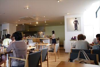横浜元町・中華街にあるカフェ「雪ノ下」の店内