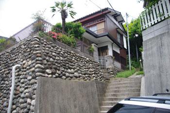 横浜菊名にあるパン屋さん「山角」の入り口