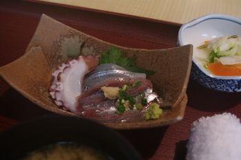 横須賀久里浜にある和食料理屋「さがみ湾」の刺身