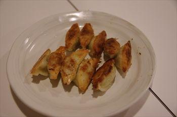 新横浜ラーメン博物館にある「八ちゃんラーメン」の餃子