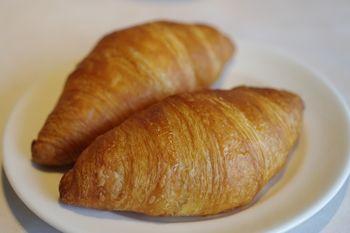 横浜みなとみらいにあるカフェレストラン「24/7」のパン