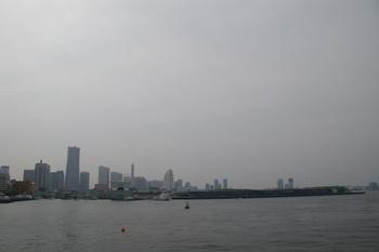 横浜山下公園の氷川丸からの景色