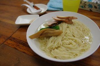 横浜東神奈川にあるラーメン店「らぁめん夢」のつけ麺
