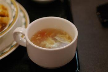 新横浜にある中華料理店「盤古殿」のスープ