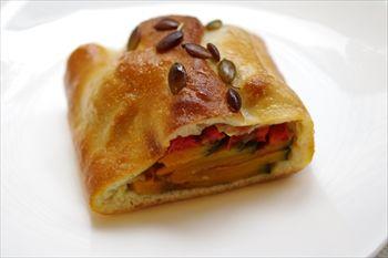 鎌倉にあるパン屋「鎌倉 利々庵(りりあん)」のパン