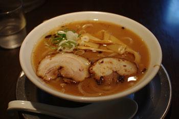 横浜菊名にあるあラーメン店「喜九成食堂」のラーメン