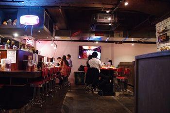横浜馬車道にあるスープカレーのお店「らっきょ」の店内
