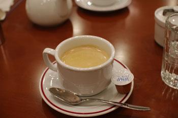 新横浜ラントラクトにあるカフェ&バー「ラ・メゾネ」のコーヒー