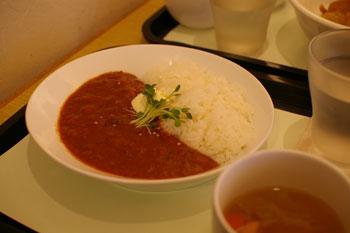 横浜にあるアートなカフェ「チモロカフェ ヨコハマ」のカレー