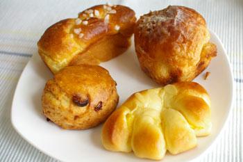 横浜鶴見のパン屋「エスプラン洋菓子店」のパン