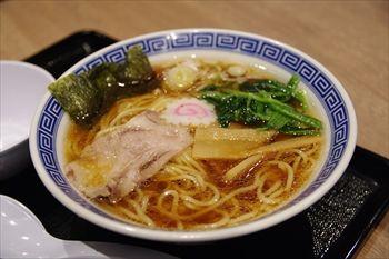 ららぽーと海老名にあるつけ麺店「久臨」の中華そば
