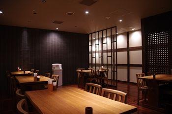 横浜センター北にあるハンバーグのお店「グリル蔵敷」の店内