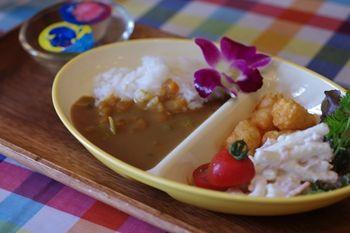 横浜にあるカフェ「ベンチ(BENCH)」のKIDSカレープレート