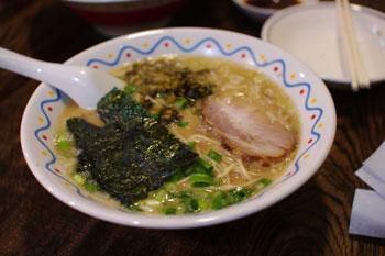 新横浜のラーメン店「横濱ハイハイ樓」のハマミソ麺